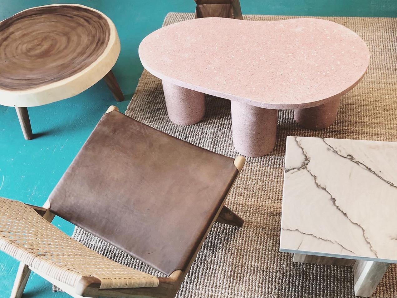 Terrazzo bord, sofabord, sidebord, kidney shape, rosa terrasso, marmor